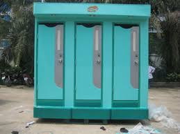 nhà vệ sinh di động có quầy quản lý